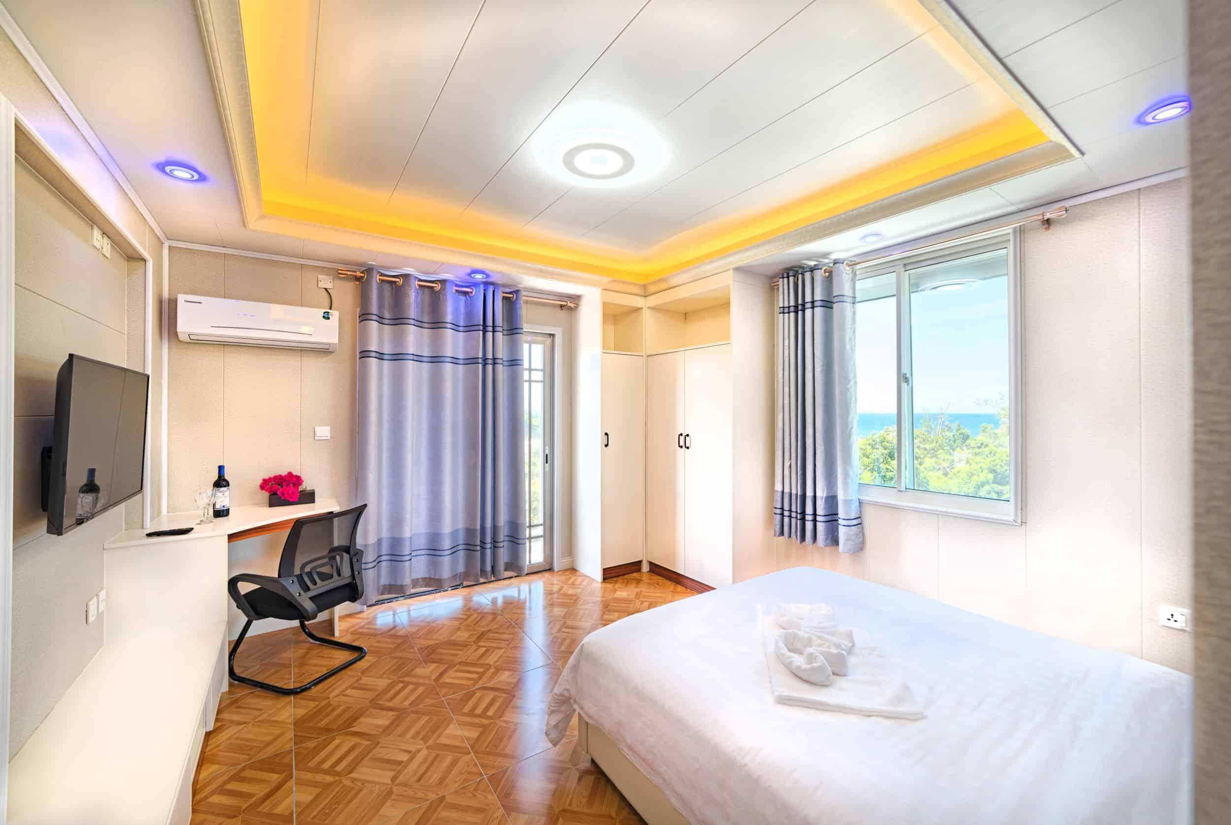 Sea-view-suite-12